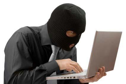 Denuncia estafas por internet